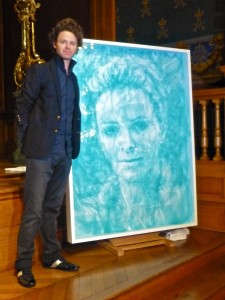 Benjamin Shine unveiling his portrait in Tulle of HSH Princess Charlene